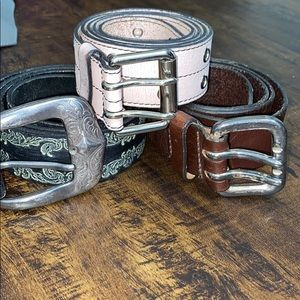 Express leather belt bundle, size medium